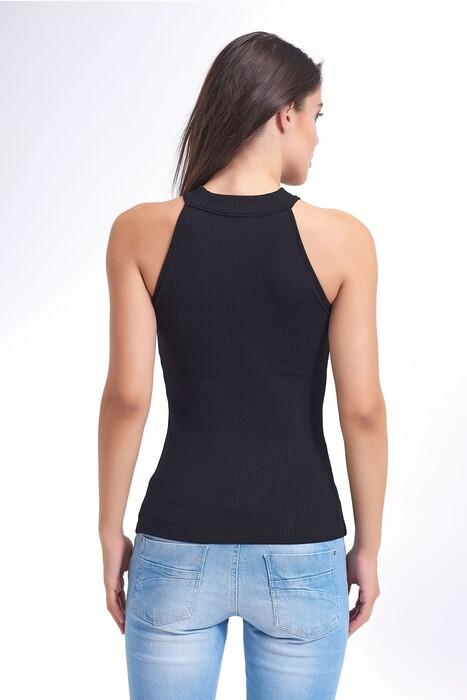 SEVİM - Kadın Kolsuz Dik Yaka T-shirt (1)